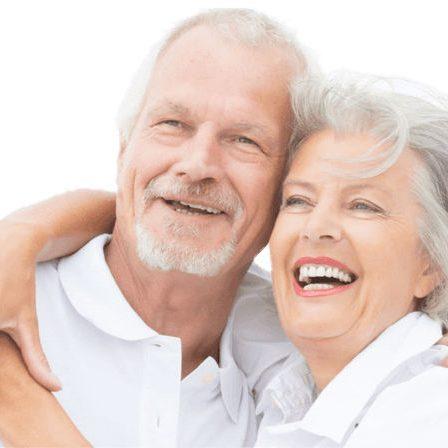 Adultos-sonriendo clinica dental mldent1